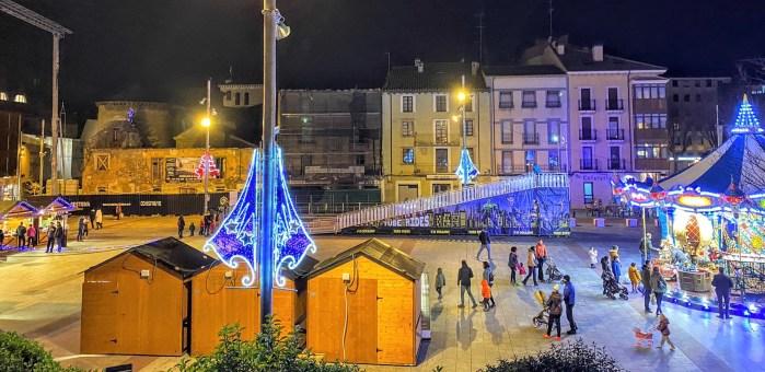 PLAZA DE BISCÓS. Imagen que presenta la Plaza de Biscós estos días. (FOTO: Ana López Artillo)