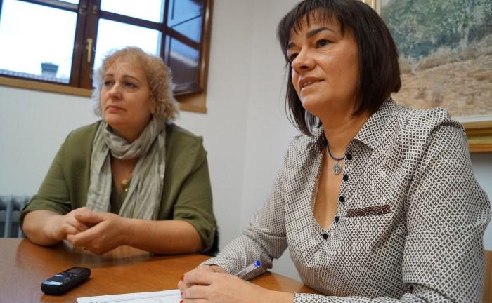 MOVILIDAD. Gabriela Raga y Nuria Pargada, durante la presentación. (FOTO: Rebeca Ruiz)