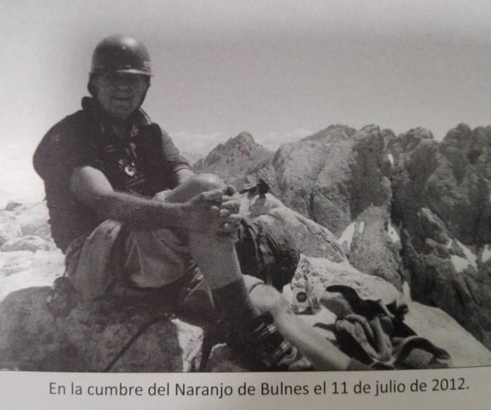 CUMBRES. Faus, en la cima del Urriellu (de su libro La larga excursión).