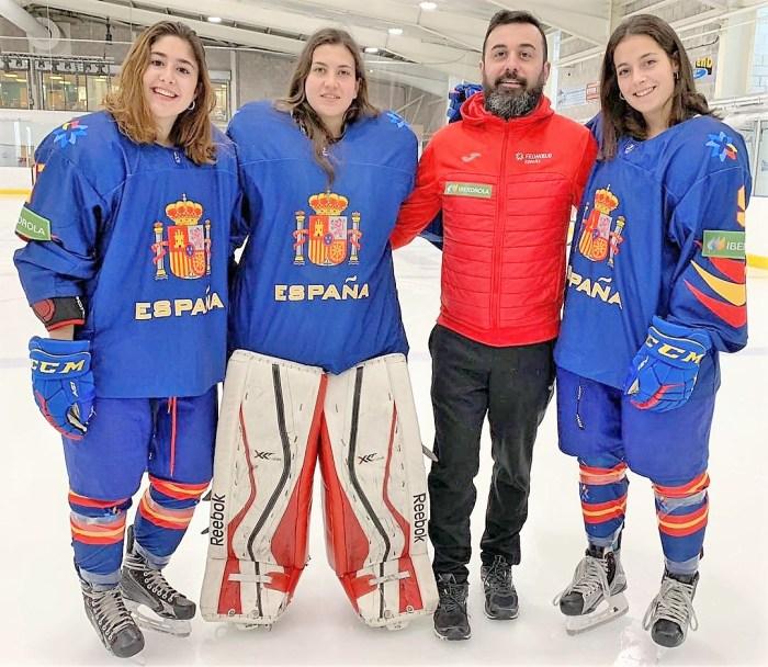 MUNDIAL. De izquierda a derecha, Victoria Serrano, Julia Embid, Raúl Liébana y Paula Moreno, en el anterior Mundial, que se diputó en Gran Bretaña en abril del pasado año. (FOTO: CHJ)