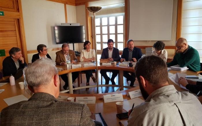 CAMINO DE SANTIAGO. Un momento de la reunión. (FOTO: Gobierno de Aragón)