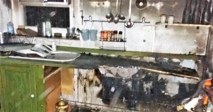 INCENDIO. Estado en el que ha quedado la vivienda de Canfranc. (FOTO: Servicio de Emergencias de Jaca)