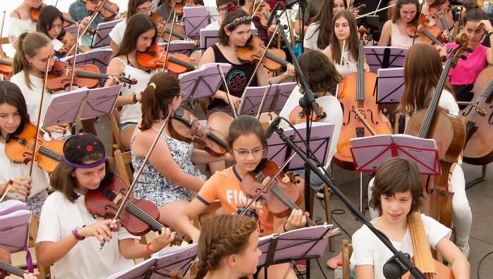 CULTURA PIRENAICA. L'Escola Folk del Pirineu, premio Truco 2020.