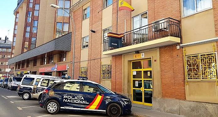 Comisaría de la Policía Nacional de Jaca. (FOTO: Rebeca Ruiz)