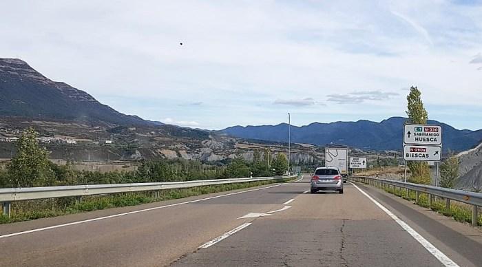 AUTOVÍA. Actual carretera N-330, a su paso por Sabiñánigo. (FOTO: Rebeca Ruiz)