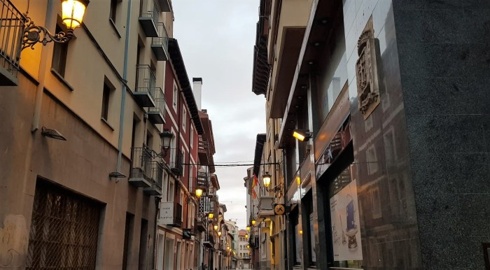 JACA. Calles desiertas. (FOTO: Rebeca Ruiz)