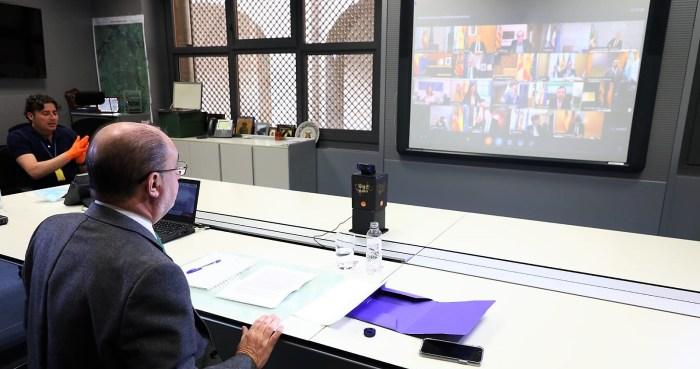 VIDEOCONFERENCIA. Lambán, durante su participación en el encuentro de hoy con el presidente del Gobierno y los presidentes autonómicos. (FOTO: Gobierno de Aragón)