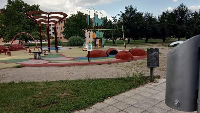 PARQUES INFANTILES. Los espacios infantiles vuelven a poder utilizarse. (FOTO: Ayuntamiento de Jaca)