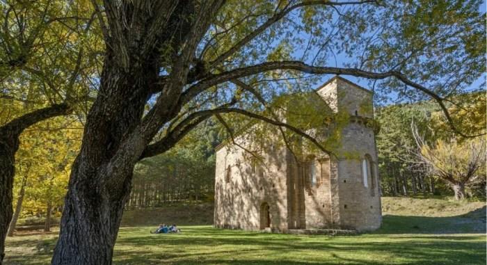 Ya se puede visitar la ermita de Santa María de Iguácel. (FOTO: DPH)
