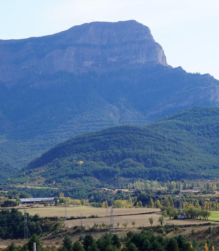 Batida en el Monte Oroel este fin de semana. El Ayuntamiento de Jaca pide precaución en las zonas de Ulle, Mocholín y Polvorines, y en otros lugares del término municipal (FOTO: Rebeca Ruiz)