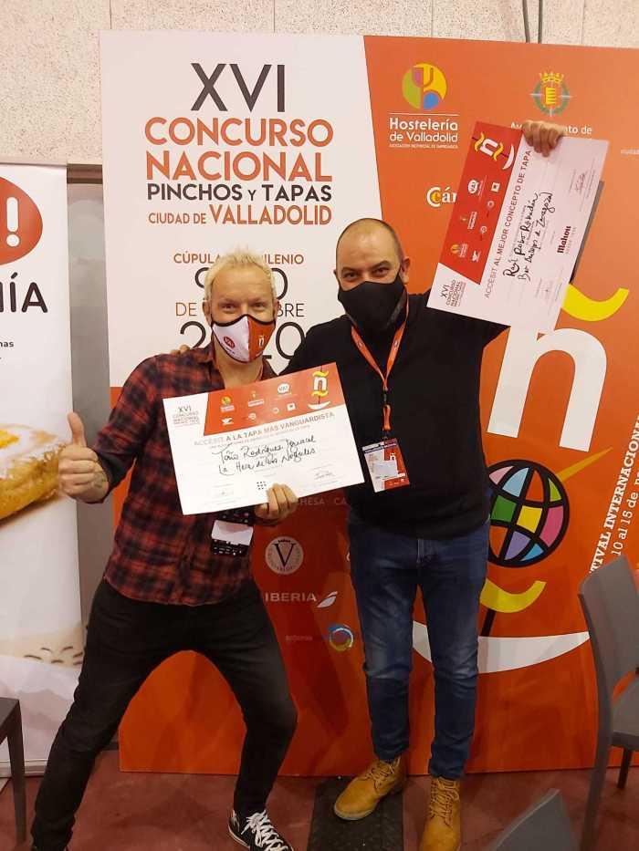 Toño Rodríguez y Raúl Pobo, también premiado con un accésit.