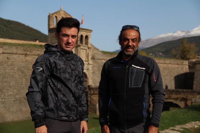 Pauner y Sánchez, en junto a la Ciudadela de Jaca.
