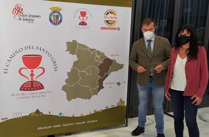 Con Javier Sierra, durante su estancia en Massamagrell. (FOTO: Vicente Navarro)