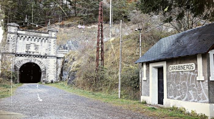 Un paso más en la reapertura del túnel ferroviario de Somport y de la línea internacional del Canfranc. (FOTO: Miguel Ramón Henares)