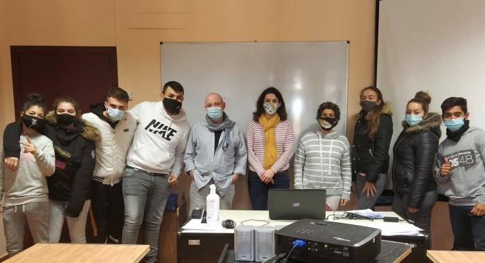 Ocho alumnos participaráne en el nuevo curso del Programa de Jardinería y Albañilería de Jaca. (FOTO: Ayuntamiento de Jaca)