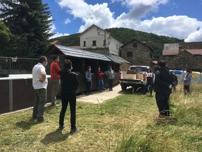 Información sobre el uso del compostador comunitario en Jasa. (FOTO: Comarca de la Jacetania)