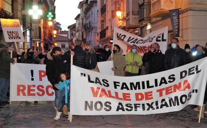 Un momento de la última concentración impulsada desde #SOSPirineo en Jaca. (FOTO: Rebeca Ruiz)