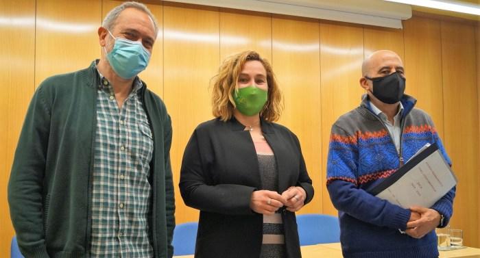 Acín, Moratinos y Reyes, durante la presentación de las obras que se podrán acometer con el remanente. (FOTO: Rebeca Ruiz)
