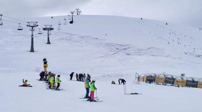 Ayudas de la Comarca de la Jacetania para la campaña de esquí escolar 2020/2021. Escolares de Jaca, en Astún, durante la Semana Blanca.