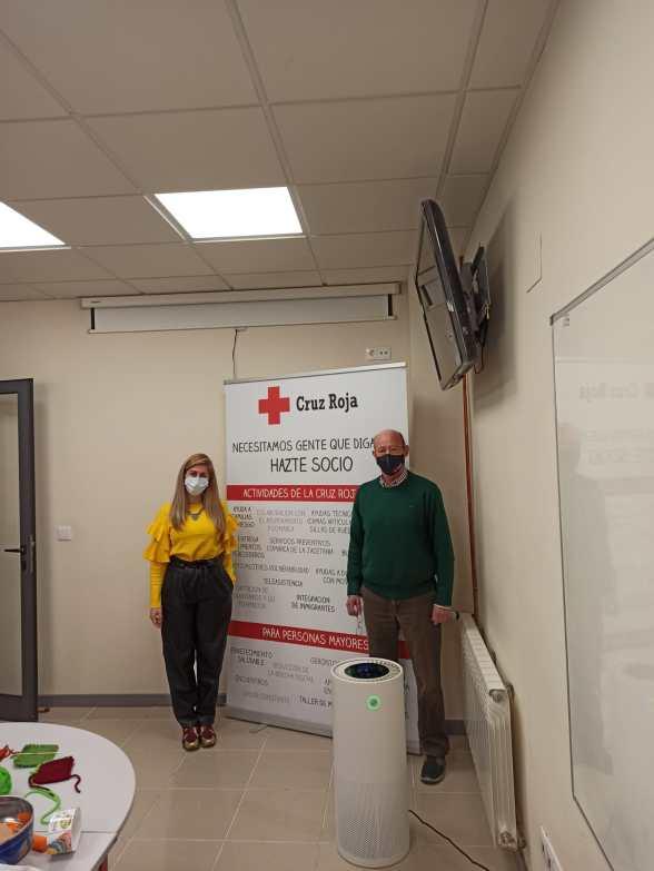 Erica Santolaria y Luis Castán, coordinadora y presidente, respectivamente, de Cruz Roja Jacetania.