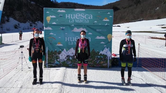 La jaquesa Cristina Ara, bronce en el Campeonato de España de Triatlón de Ansó. En la imagen, podio femenino. (FOTO: FATRI)