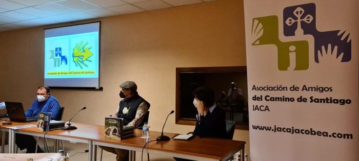 Javier Gazapo, Manuel Bueno y Toña Castán, durante la presentación de Escuelas Peregrinas. (FOTO: Rebeca Ruiz)