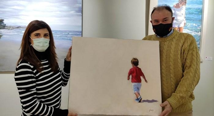 La artista Nekane Garrués dona una de sus obras a la Ciudadela de Jaca. (FOTO: Ciudadela de Jaca)