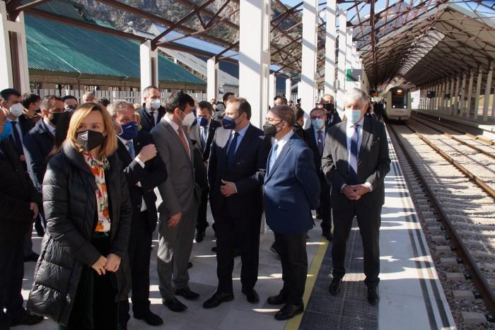 Canfranc y España unen su futuro al reto histórico de la nueva estación. (FOTO: Rebeca Ruiz)