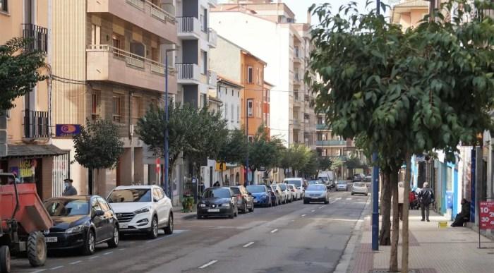 Abierto el plazo de solicitud para las subvenciones del fomento de la actividad económica en Sabiñánigo. La Calle Serrablo de Sabiñánigo. (FOTO: Rebeca Ruiz)