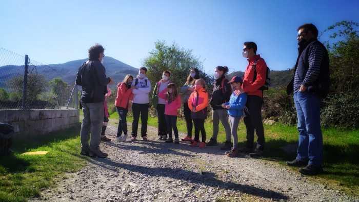 Conocer La Jacetania en familia a través de 13 sugerentes paseos interpretativos. Actividad en Bailo. (FOTO: Comarca de la Jacetania)