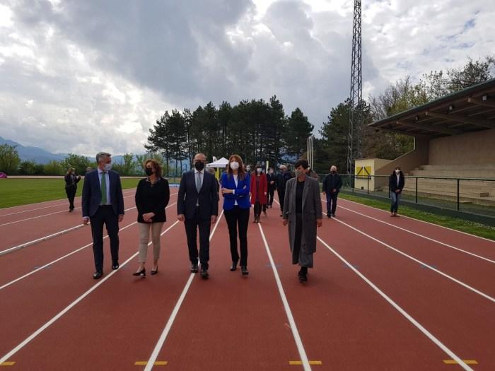 Un momento del acto celebrado en las pistas de atletismo. (FOTO: Gobierno de Aragón)