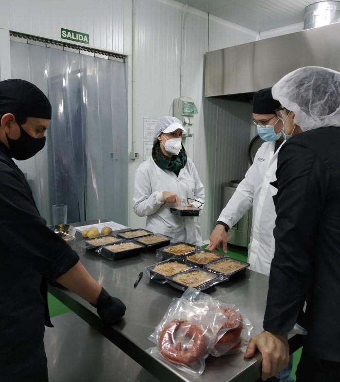 Tareas de elaboración y control en el vivero agroalimentario de Jaca.