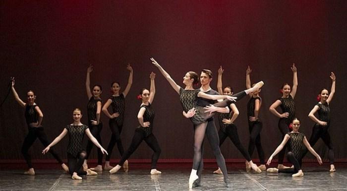 El Joven Ballet del Pirineo actúa este sábado en Sallent de Gállego. El conjunto, en una imagen de archivo (FOTO: JBP)