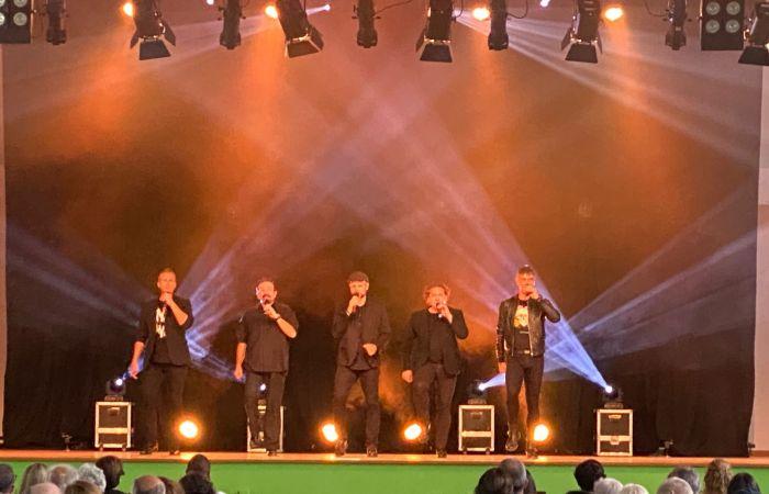 El Festival de Panticosa 'Tocando el cielo' despide con gran éxito su novena edición. En la imagen, B Vocal durante su actuación.