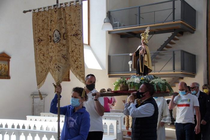 El Balneario de Panticosa vuelve a su esencia desde la tradición y recuperando sus fuentes. Este viernes, durante la celebración de los actos en honor a la Virgen del Carmen. (FOTO: Rebeca Ruiz)