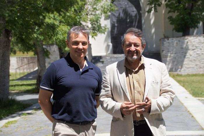 Jesús González (izda.), director del Balneario de Panticosa, y Antonio Hernández (dcha.), director médico del Balneario de Panticosa. (FOTO: Rebeca Ruiz)