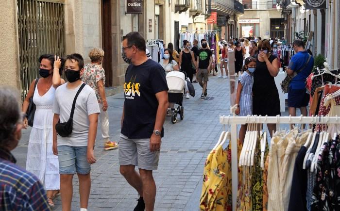 Jaca se prepara para el Día del Comercio en la Calle. En la imagen, de archivo, la edición de 2020. (FOTO: Rebeca Ruiz)