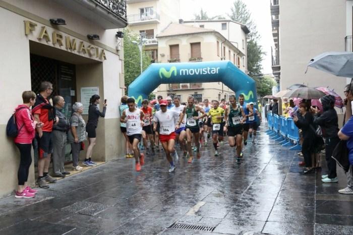 Vuelve la Subida a Oroel, que este año cumple 23 ediciones. En la imagen, la salida en la última edición de la carrera, en 2019. (FOTO: Miguel Ramón Henares)