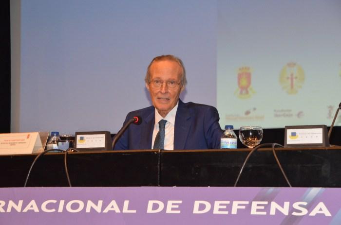 """Piqué: """"La UE debe entender que tiene que incrementar los presupuestos que dedica a defensa""""."""