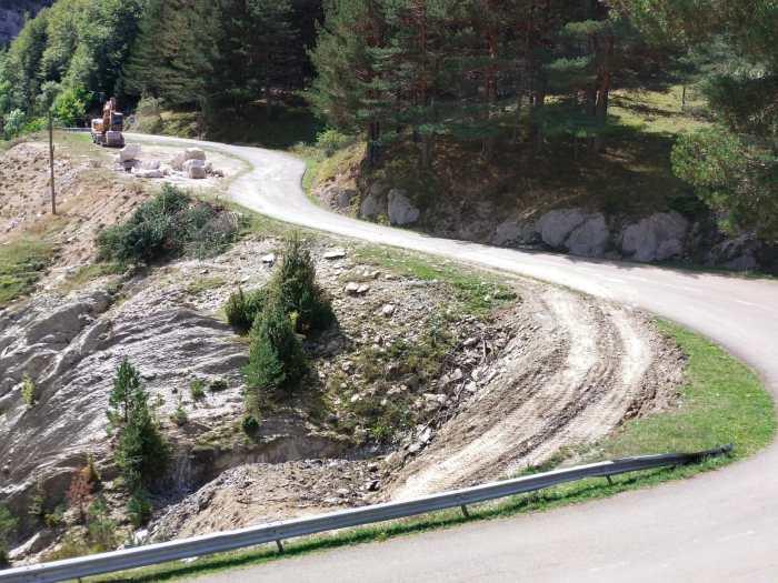 Comienzan los trabajos de mejora del acceso a Zuriza. (FOTO: DPH)