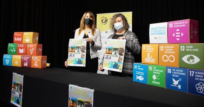 Sabiñánigo impulsa el consumo responsable y el desarrollo sostenible con un ciclo de talleres. La alcaldesa Berta Fernández y la concejala Marisa Morillo, durante la presentación. (FOTO: Rebeca Ruiz)
