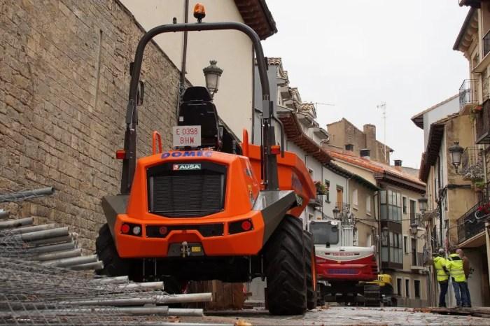 Comienzan las obras de reurbanización de la calle Campoy Irigoyen de Jaca. (FOTO: Rebeca Ruiz)