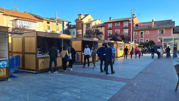 Mercado Jaca Pirineos y Feria de Setas comparten escenario en Jaca. (FOTO: Rebeca Ruiz)