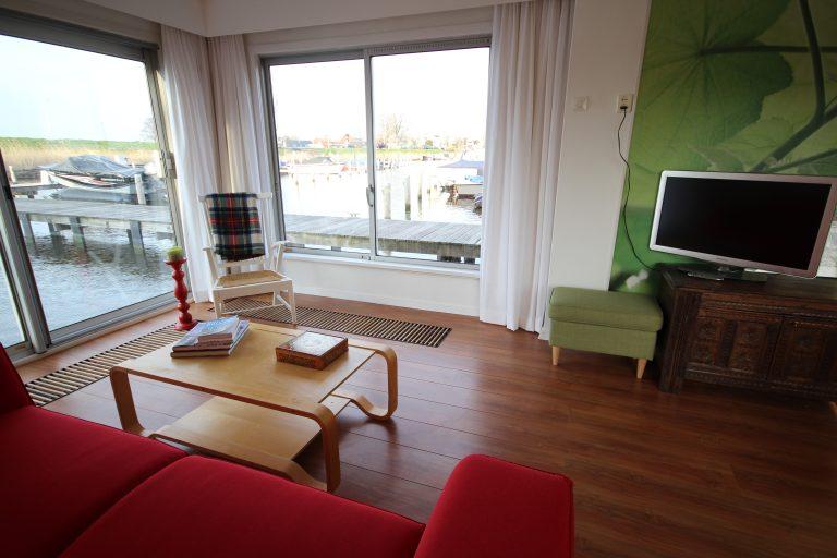 Sleep on a houseboat at BnB Livingonwater.nl