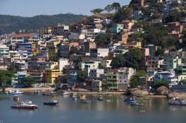 vitoria, petites maisons dans la coline
