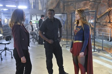 """Strange Visitor From Another Planet"" -- Kara (Melissa Benoist, right) must help Hank (David Harewood, center) face his painful past when a White Martian, a member of the alien race that wiped out his people, kidnaps Senator Miranda (Tawny Cypress, left) Crane, an anti-alien politician, on SUPERGIRL, Monday, Jan. 25 (8:00-9:00 PM, ET/PT) on the CBS Television Network. Also pictured: Chyler Leigh (left) Photo: Darren Michaels/Warner Bros. Entertainment Inc. © 2015 WBEI. All rights reserved."