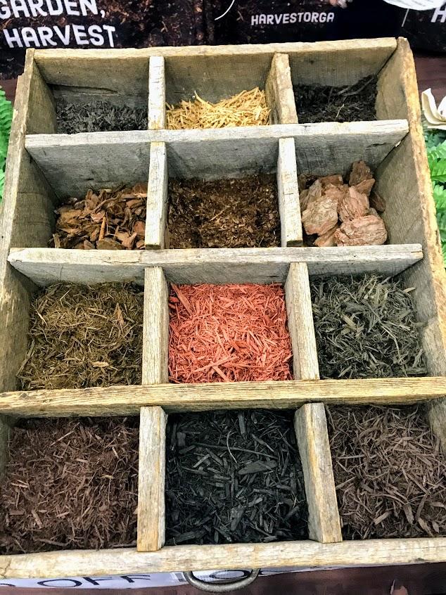 mulch display