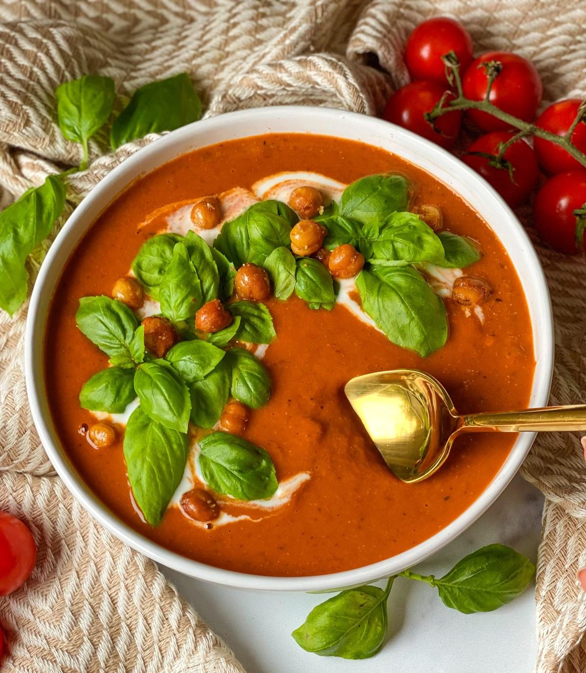 roasted tomato basil umami soup