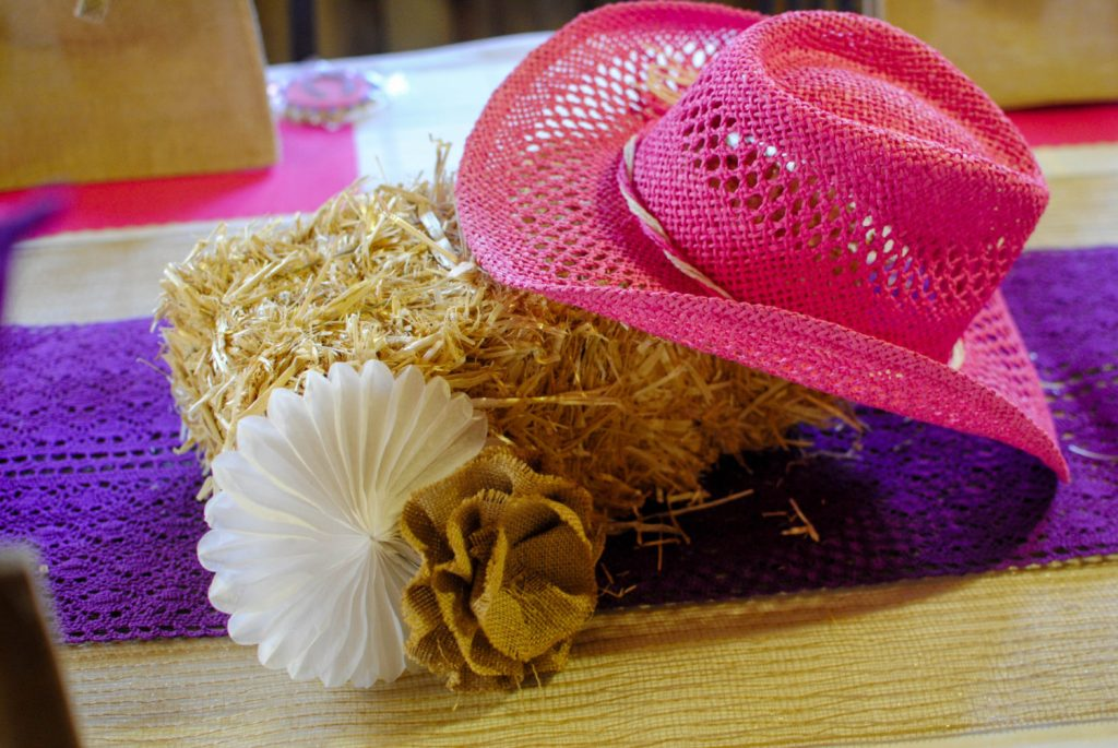 COWBOY HAT CENTERPIECE_
