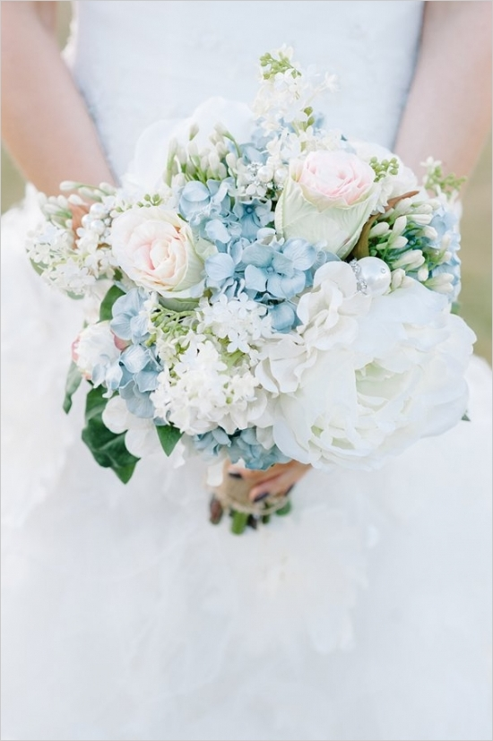 blue-and-white-romantic-wedding-bouquet